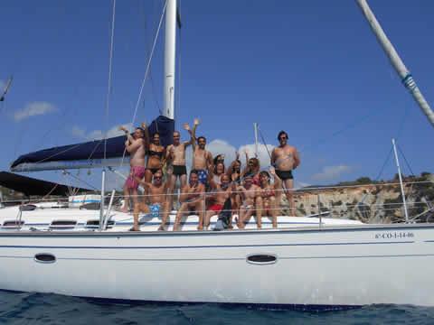 Viajar con singles en Ibiza en velero